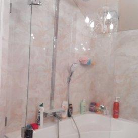 шторка из стекла на ванну